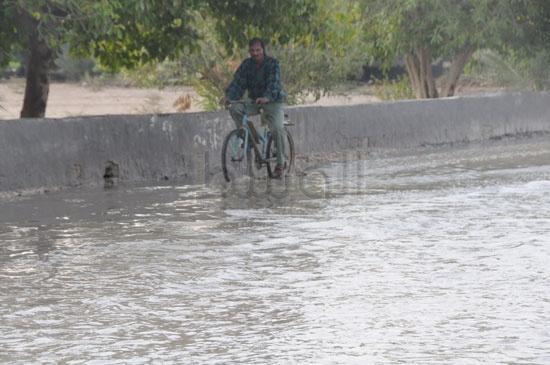 شاهد الصور بعد هطول الأمطار لهذا اليوم الأحد 13-12-2009 View_131260688280
