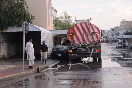 شاهد الصور بعد هطول الأمطار لهذا اليوم الأحد 13-12-2009 View_31260688280