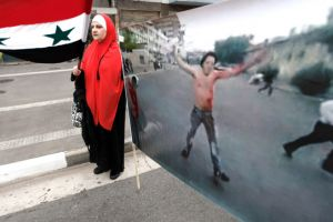 مقتل متظاهرين بدمشق والقوات السورية تتابع عملياتها.. Thumb_int-m-1