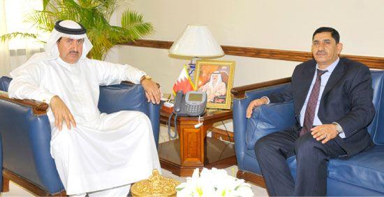 الدوسري يبحث تفعيل مذكرة تفاهم عمالية مع المستشار بالسفارة الأردنية محليات صحيفة الوسط البحرينية مملكة البحرين