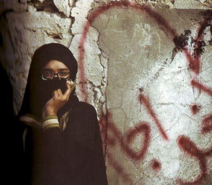 مرآة البحرين» يوثِّق «جرافيتي» أحداث