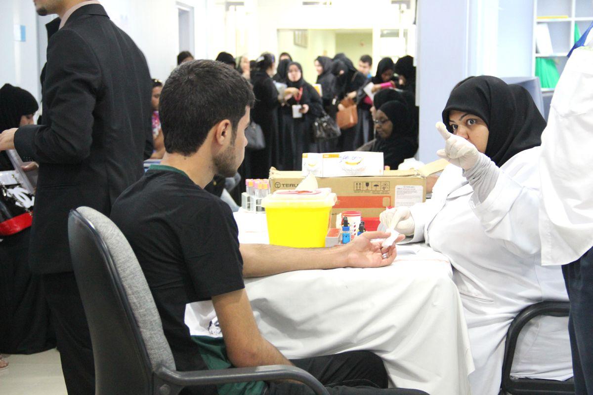 طلبة جامعة البحرين يهدون بنك الدم أكثر من 60 كيساً ...