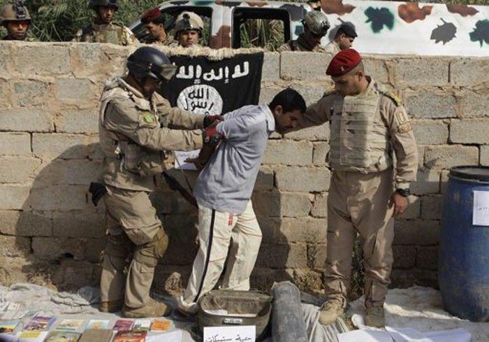 داعش  يطالب أهالي قرية غرب الموصل بمغادرتها ويهدد بقتل من يخالف   دولية - صحيفة الوسط البحرينية - مملكة البحرين