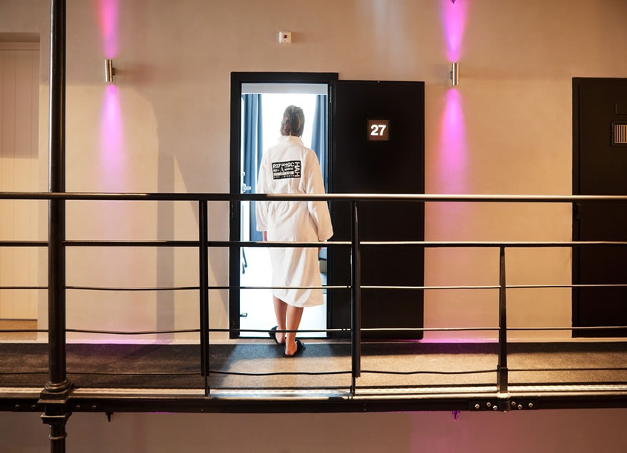 لأول مرة في التاريخ.. دولة أوروبية تغلق سجونها لعدم توفر المجرمين!